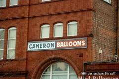 Besuch bei Cameron Balloons (England 2001)
